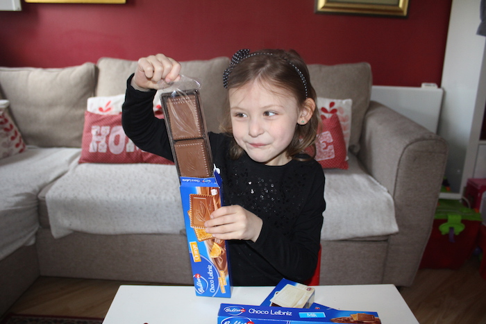 Bella with Choco Leibniz Orange