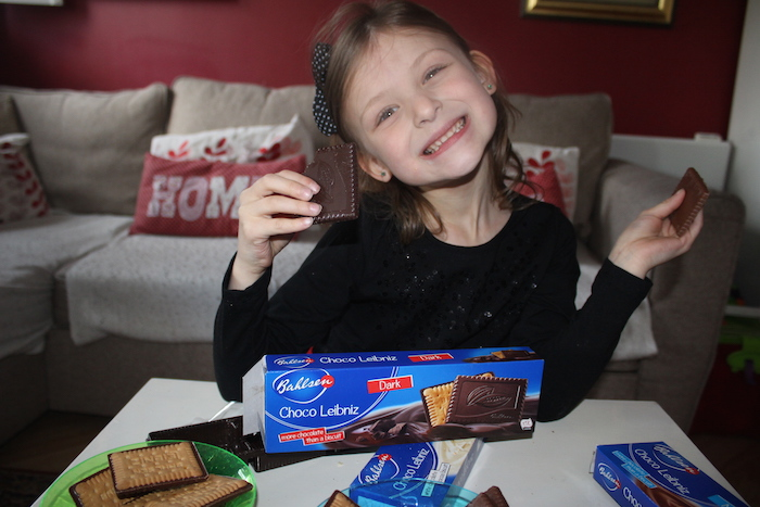 Bella with Choco Leibniz Dark Chocolate