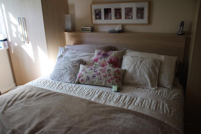 EL matching set on bed 2