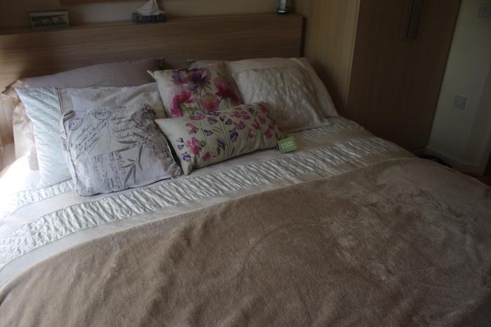 EL matching set on bed