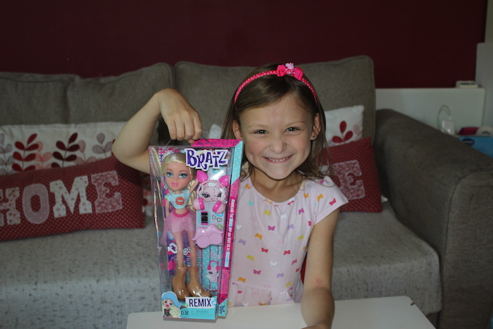 Bella with Cloe Bratz Doll 1
