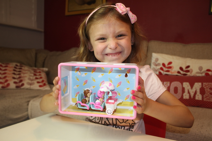 bella-with-ice-cream-play-set-2