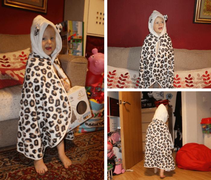 sienna-modelling-cuddlepaw-toddler-towel