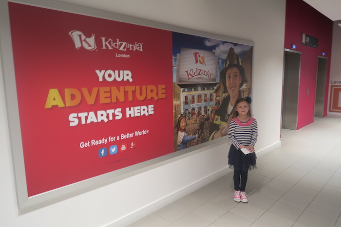 bella-at-kidzania