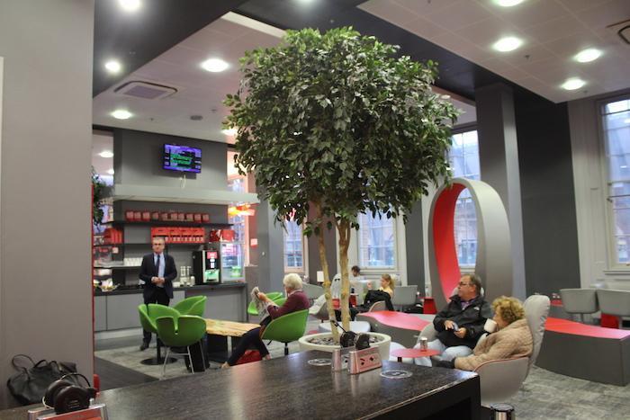 vtec-first-class-lounge-2