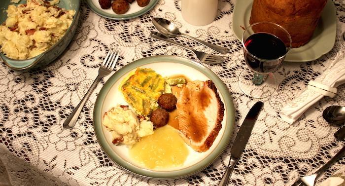Chrimas Dinner Plate - Option 1 - AMWF