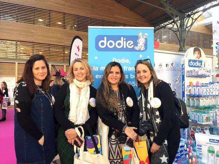 dodie-stand