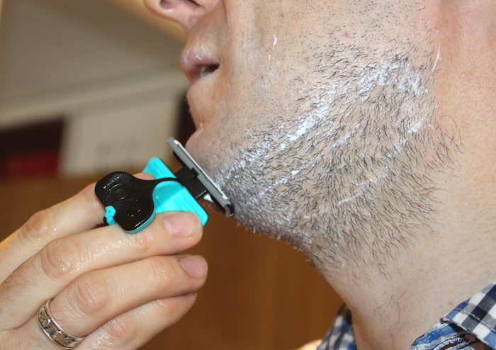 Nick shaving with Evoshave 4