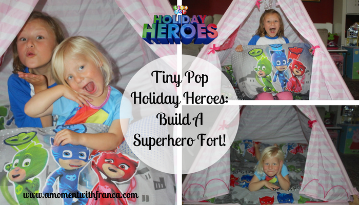 Tiny Pop Holiday Heroes: Build A Superhero Fort!