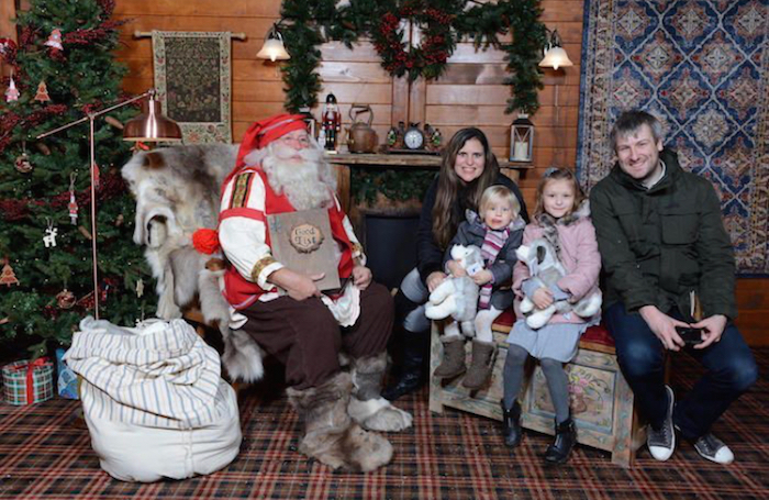 Treated.com - Family Photo at Lapland UK